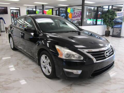 2014 Nissan Altima for sale at Dealer One Auto Credit in Oklahoma City OK