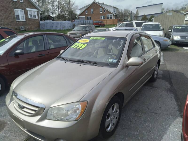 2006 Kia Spectra for sale at BRAUNS AUTO SALES in Pottstown PA