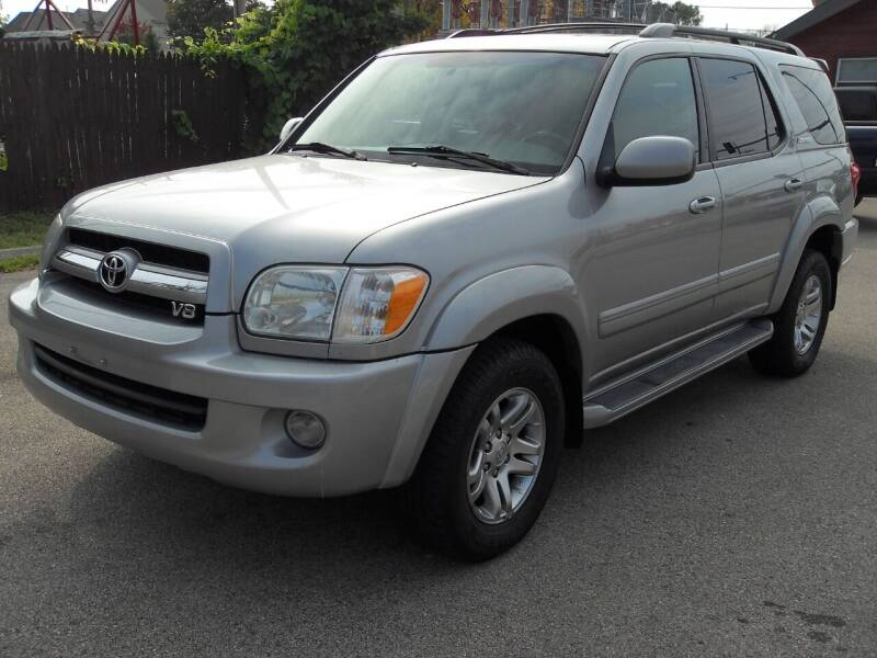 2006 Toyota Sequoia for sale at GLOBAL AUTOMOTIVE in Gages Lake IL