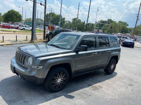 2014 Jeep Patriot for sale at Smart Buy Car Sales in Saint Louis MO