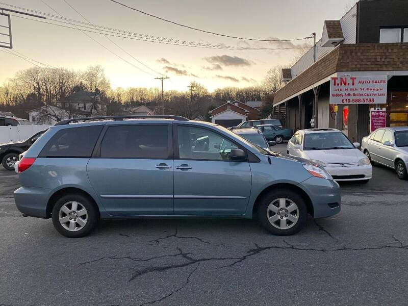 2006 Toyota Sienna for sale at TNT Auto Sales in Bangor PA