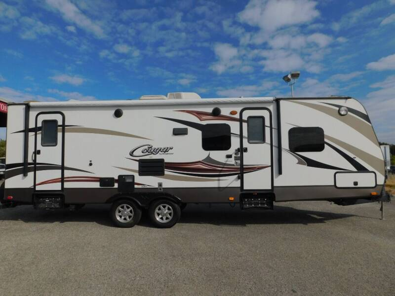 2015 Keystone COUGAR 28RBSWE for sale at Gold Country RV in Auburn CA