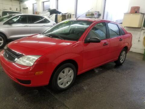 2007 Ford Focus for sale at DALE'S AUTO INC in Mt Clemens MI