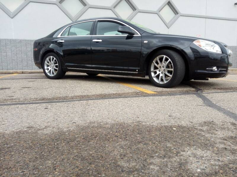 2008 Chevrolet Malibu for sale at Double Take Auto Sales LLC in Dayton OH