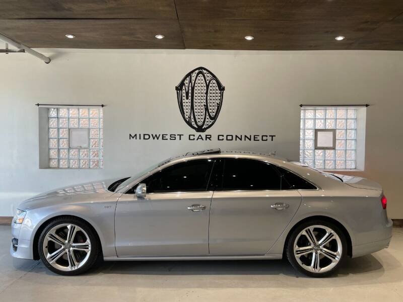2015 Audi S8 for sale at Midwest Car Connect in Villa Park IL