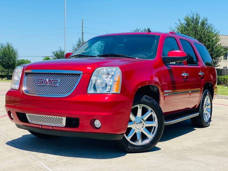 2013 GMC Yukon for sale at AUTO DIRECT in Houston TX