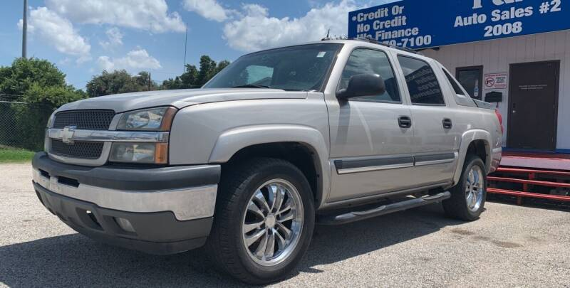 2005 Chevrolet Avalanche for sale at P & A AUTO SALES in Houston TX