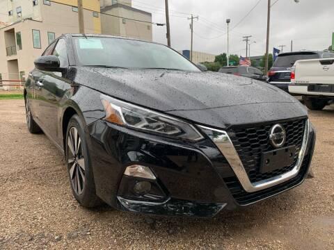 2019 Nissan Altima for sale at LLANOS AUTO SALES LLC in Dallas TX