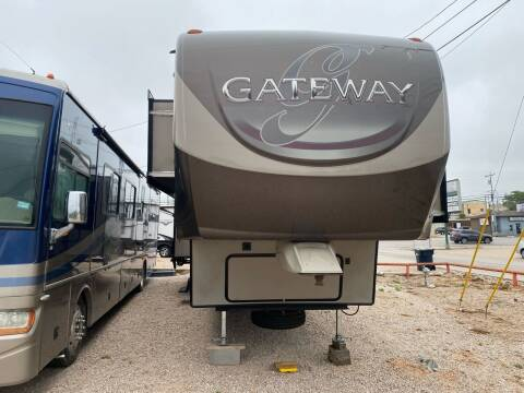 2016 Gateway 3900SE for sale at ROGERS RV in Burnet TX