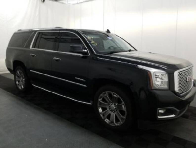 2016 GMC Yukon XL for sale at AH Ride & Pride Auto Group in Akron OH
