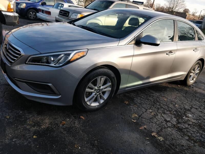 2016 Hyundai Sonata for sale at The Car Cove, LLC in Muncie IN