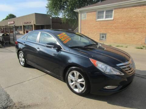 2011 Hyundai Sonata for sale at RON'S AUTO SALES INC in Cicero IL