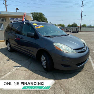 2006 Toyota Sienna for sale at ZOOM CARS LLC in Sylmar CA