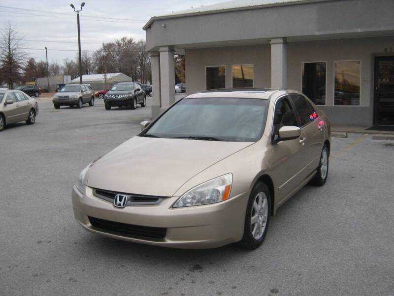 2005 Honda Accord for sale at Premier Motor Co in Springdale AR