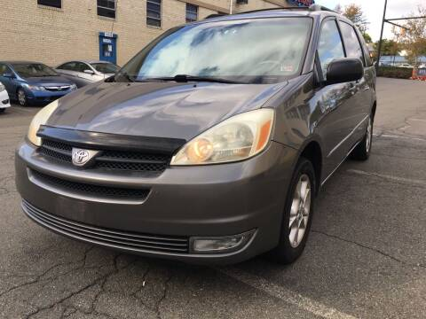 2005 Toyota Sienna for sale at Alexandria Auto Sales in Alexandria VA