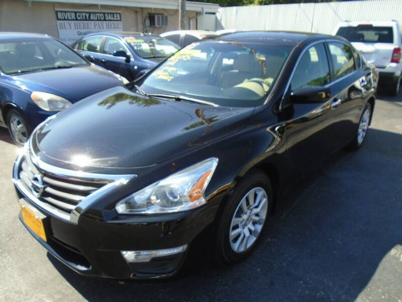 2015 Nissan Altima for sale at River City Auto Sales in Cottage Hills IL