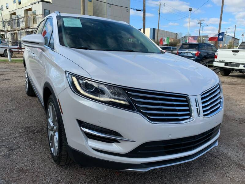 2018 Lincoln MKC for sale at LLANOS AUTO SALES LLC in Dallas TX