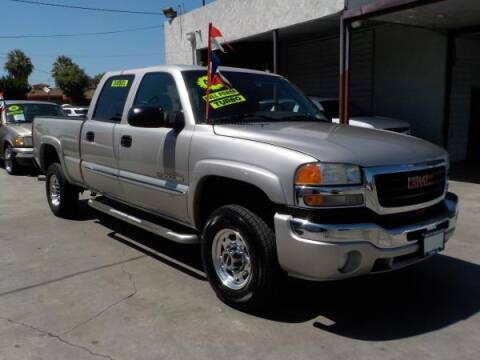 2005 GMC Sierra 2500HD for sale at Bell's Auto Sales in Corona CA