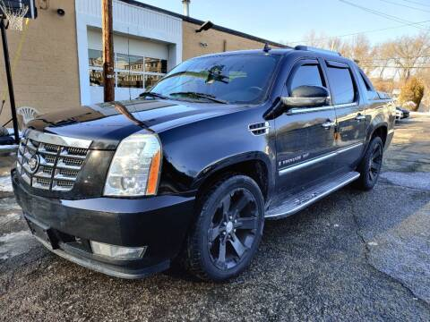 2009 Cadillac Escalade EXT for sale at Porcelli Auto Sales in West Warwick RI