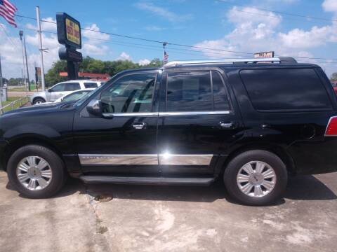 2007 Lincoln Navigator for sale at BIG 7 USED CARS INC in League City TX