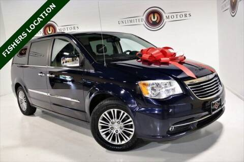 2013 Chrysler Town and Country for sale at Unlimited Motors in Fishers IN