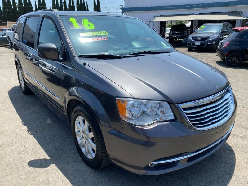 2016 Chrysler Town and Country for sale at CAR GENERATION CENTER, INC. in Los Angeles CA