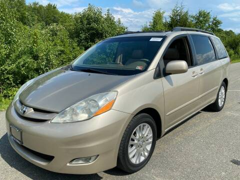 2007 Toyota Sienna for sale at Used Cars of Fairfax LLC in Woodbridge VA