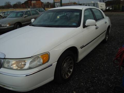 2002 Lincoln Town Car for sale at Branch Avenue Auto Auction in Clinton MD
