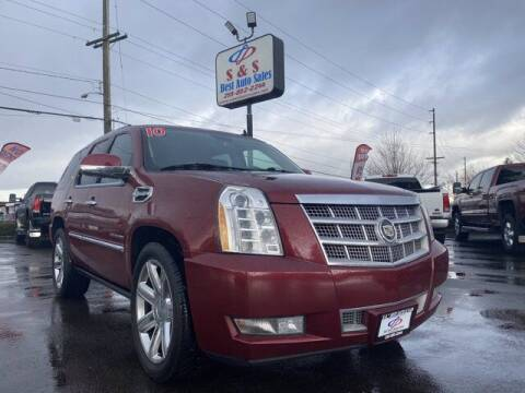 2010 Cadillac Escalade Hybrid for sale at S&S Best Auto Sales LLC in Auburn WA