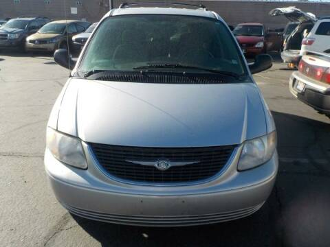 2003 Chrysler Town and Country for sale at Robert Judd Auto Sales in Washington UT