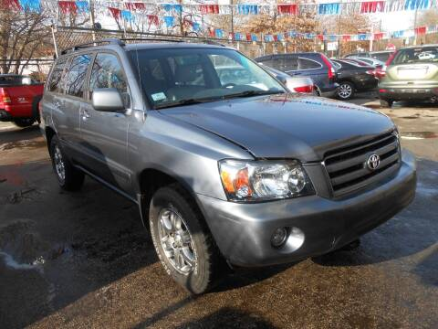 2004 Toyota Highlander for sale at N H AUTO WHOLESALERS in Roslindale MA