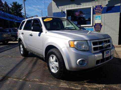 2009 Ford Escape for sale at Bizzarro`s Fleetwing Auto Sales in Erie PA