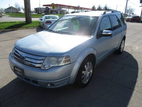 2008 Ford Taurus X for sale at King's Kars in Marion IA