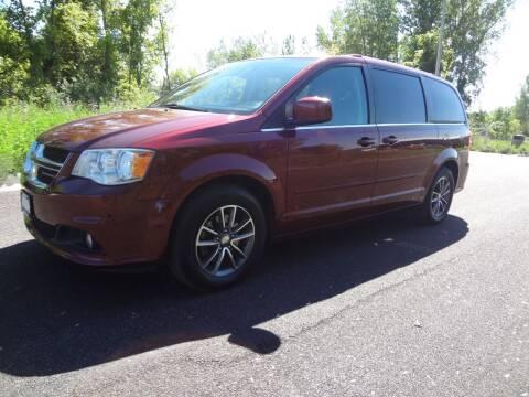 2017 Dodge Grand Caravan for sale at Garza Motors in Shakopee MN