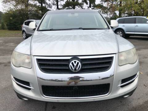 2009 Volkswagen Touareg 2 for sale at Greenville Motor Company in Greenville NC