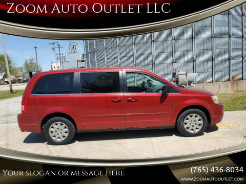 2009 Chrysler Town and Country for sale at Zoom Auto Outlet LLC in Thorntown IN