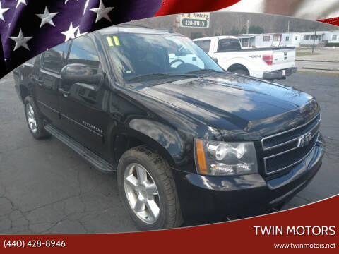 2011 Chevrolet Avalanche for sale at TWIN MOTORS in Madison OH