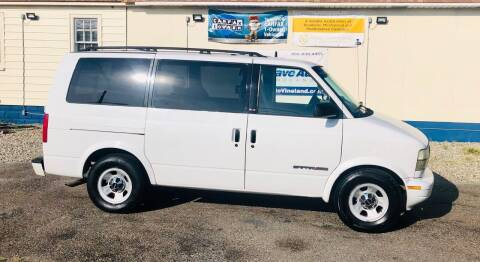 2001 GMC Safari for sale at New Wave Auto of Vineland in Vineland NJ