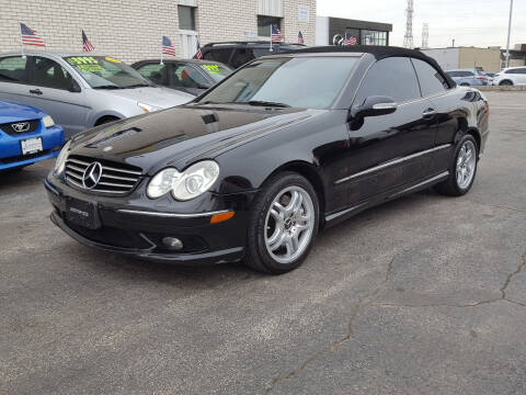 2004 Mercedes-Benz CLK for sale at AUTOSAVIN in Elmhurst IL