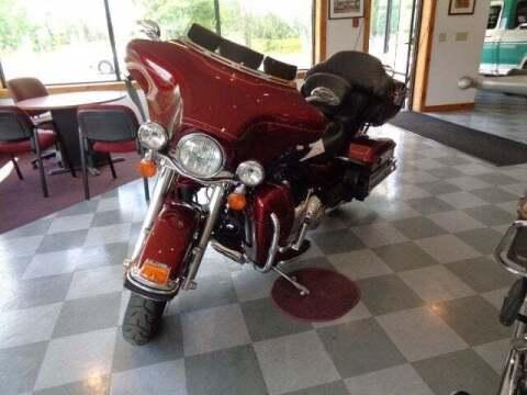 2010 Harley Davidson Ultra Classic FLHTCU for sale at SCHURMAN MOTOR COMPANY in Lancaster NH