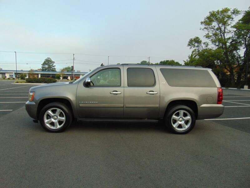 2008 Chevrolet Suburban for sale at CR Garland Auto Sales in Fredericksburg VA