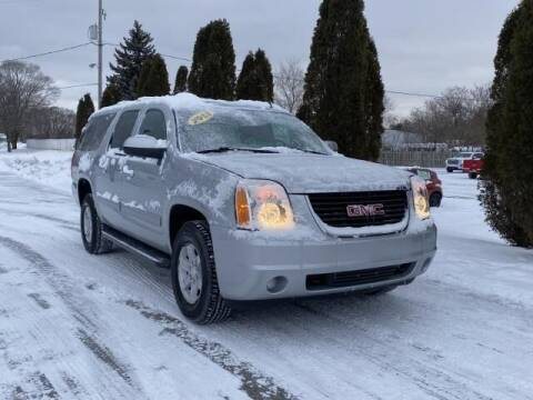 2013 GMC Yukon XL for sale at Betten Baker Preowned Center in Twin Lake MI