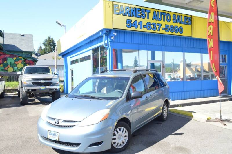 2008 Toyota Sienna for sale at Earnest Auto Sales in Roseburg OR