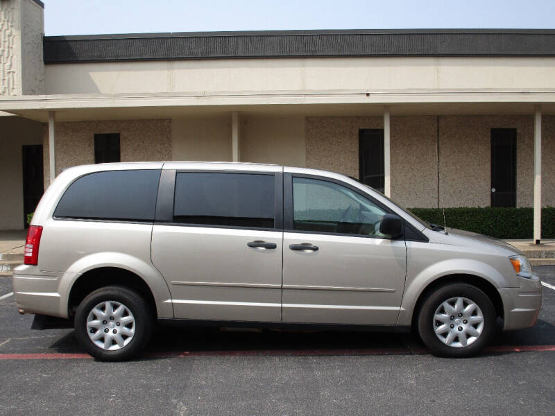 2008 Chrysler Town and Country LX 4dr Mini-Van - Dallas TX