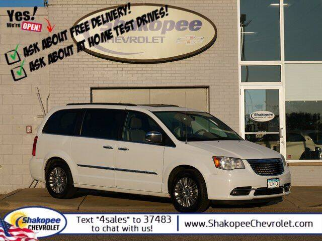 2016 Chrysler Town and Country for sale at SHAKOPEE CHEVROLET in Shakopee MN