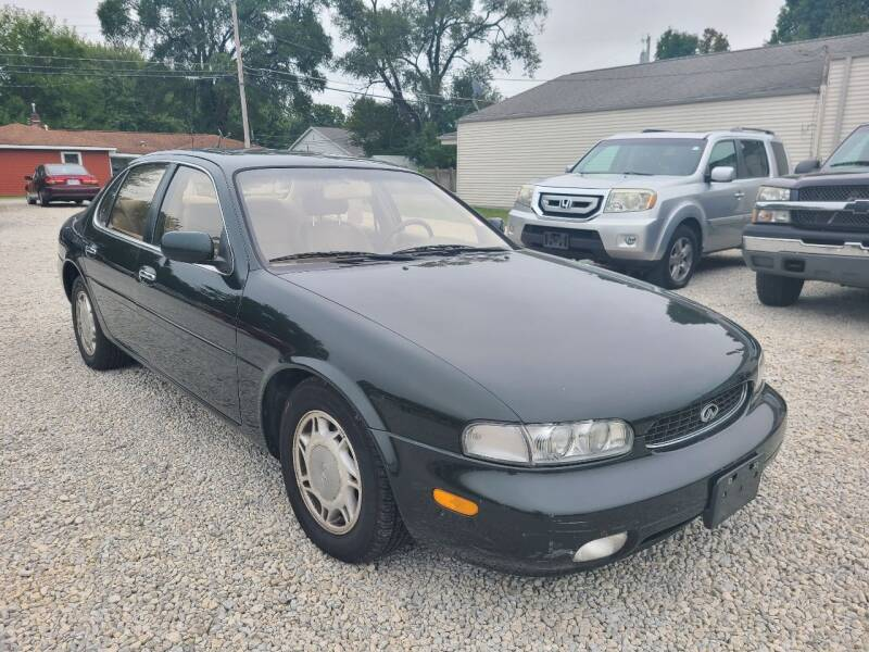 1997 Infiniti J30 for sale at Davidson Auto Deals in Syracuse IN
