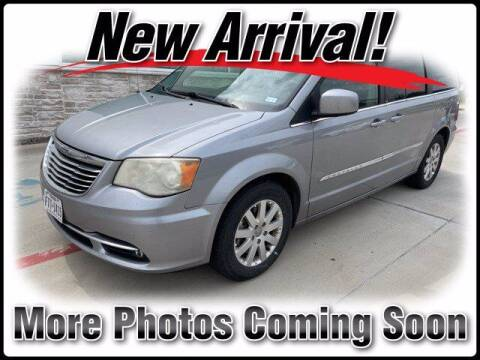 2014 Chrysler Town and Country for sale at DAVID McDAVID HONDA OF IRVING in Irving TX