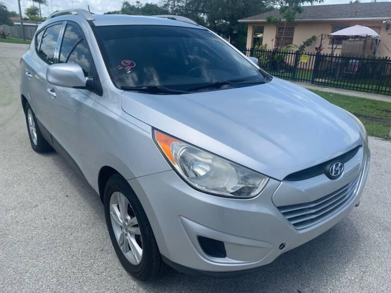 2011 Hyundai Tucson for sale at Eden Cars Inc in Hollywood FL