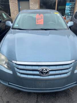 2006 Toyota Avalon for sale at Whiting Motors in Plainville CT