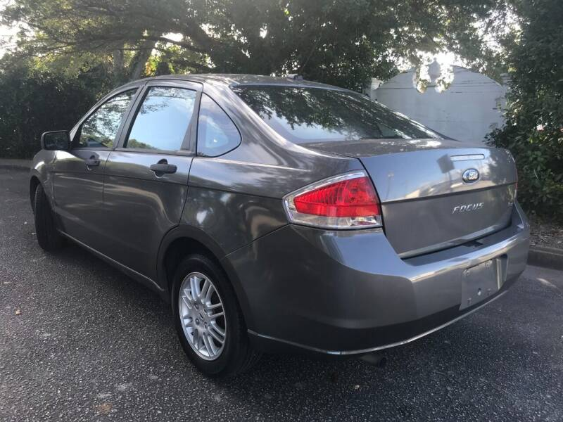2010 Ford Focus SE 4dr Sedan - Wilmington NC